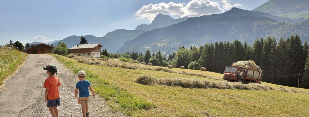 On a teste les parcours d'orientation dans le Val d'Arly !